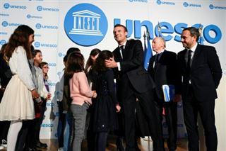 Macron veut lever le tabou des violences aux enfants et lutter contre la pédopornographie