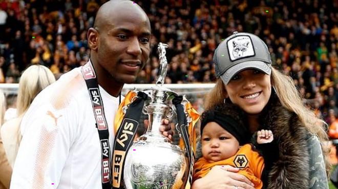 Un ex-joueur d'Arsenal perd sa fille de deux ans: le monde du foot est en deuil