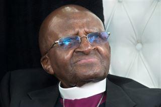 Afrique du Sud- Desmond Tutu, hospitalisé, répond bien au traitement (proche)