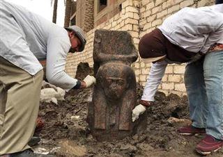 Egypte- rare découverte d'un buste de Ramsès II