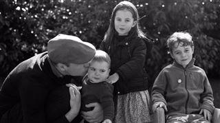 Kate et William- nouvelle photo de famille CRAQUANTE pour les fêtes