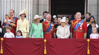 Réunion de CRISE chez la reine Elizabeth II- qui sera à la table des négociations?
