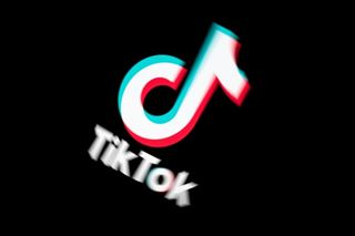L'application TikTok renforce sa présence européenne
