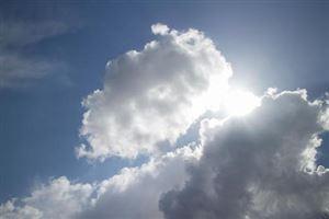 Un ciel en demi-teinte, entre nuages et éclaircies