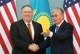 Pompeo termine en Ouzbékistan une tournée destinée à contrer Moscou et Pékin