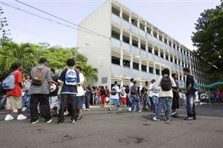 Grèves- en Guadeloupe, les enfants privés d'école plusieurs semaines