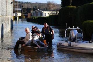 Venise, durement touchée par des inondations en novembre, appelle les touristes à revenir