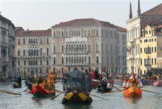 Venise, ville des amoureux, donne le coup d'envoi de son Carnaval