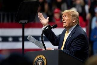 Moscou s'ingère dans la présidentielle pour soutenir Trump, selon le renseignement américain