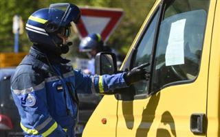 Virus- plus de 7.500 morts en France, pas de relâchement malgré les vacances
