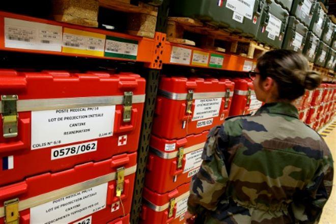 La plus grande pharmacie militaire de France au front contre le Covid-19