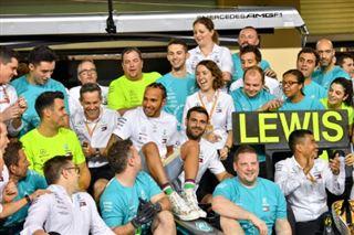 F1- Hamilton se voit rester avec Mercedes, son équipe de rêve