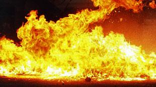 Camion en feu sur l'aire autoroutière de Nil-Saint-Vincent