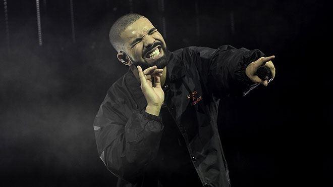 Le lit de Drake est estimé à 360.000 euros- voici à quoi ressemble sa chambre HORS DE PRIX (photo)