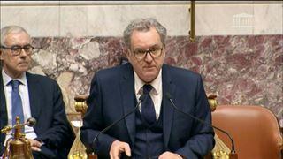 Philippe examine le plan de déconfinement avec préfets et élus locaux