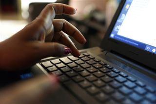 Télétravail, open space, coworking- le coronavirus va changer la vie de bureau