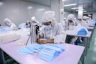 En Chine, le boom des masques inquiète... les fabricants de couches