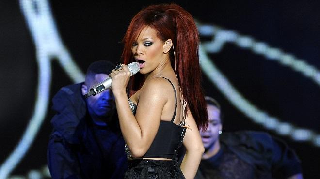 Torride- Rihanna joue les modèles pour sa propre ligne de lingerie (photos)