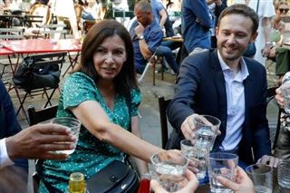 Coronavirus - Les Français redécouvrent leurs terrasses