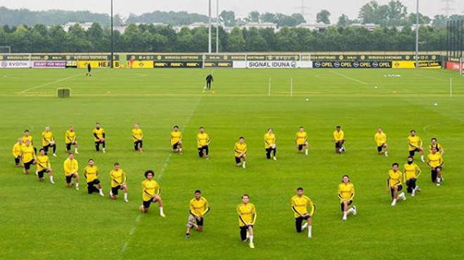 Le Borussia Dortmund genou à terre- le club de Thorgan Hazard et Axel Witsel rend hommage à George Floyd (photo)