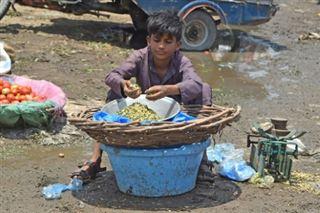 Des millions d'enfants supplémentaires risquent de devoir travailler en raison de la pandémie, selon l'ONU