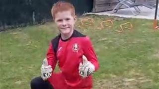 Nathan, 10 ans, le jeune gardien belge qui défie Gianluigi Buffon et Thibaut Courtois depuis son jardin (vidéo) 2
