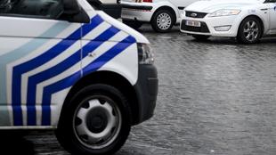 Verviers: un octogénaire dépouillé de son portefeuille, deux témoins suivent le voleur, il est arrêté par un policier et son chien