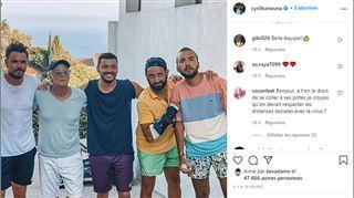 Cyril Hanouna passe ses vacances avec des stars- les fans le taclent