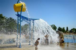 L'île de loisirs, refuge estival des familles modestes par temps de virus