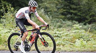 Tour de France- le Suisse Marc Hirschi remporte en solitaire la 12e étape, Primoz Roglic reste en jaune
