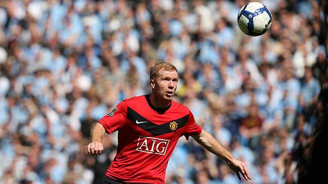 Paul Scholes tacle la direction de Manchester United pour le transfert de Cavani