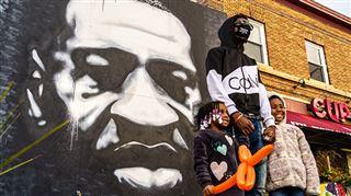 George Floyd aurait eu 47 ans hier- de nombreuses personnes lui rendent hommage