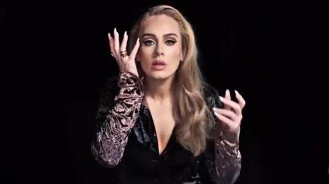 De retour sur scène, Adele en profite pour parler de son poids (vidéo)