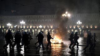 Incidents violents en Italie, où de nouvelles mesures contre l'épidémie ont été annoncées- Vous pouvez m'arrêter, je ne fermerai plus, lance un restaurateur