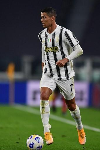 Cristiano Ronaldo manquera ses retrouvailles avec Messi, le jeune Koni De Winter repris