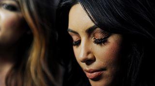 Grosse surprise de Kanye West à Kim Kardashian- un hologramme de son père décédé (vidéo)