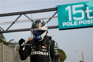 F1- Bottas coiffe Hamilton pour la pole du GP d'Emilie-Romagne
