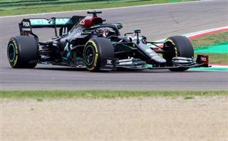 Lewis Hamilton remporte le GP à Imola, 7e titre de suite pour Mercedes, un record