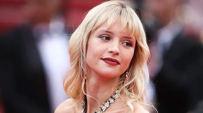 Angèle élue meilleure performance belge lors des MTV European Music Awards
