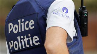 Bruxelles- un policier blessé lors d'un affrontement avec un homme qui ne portait pas son masque