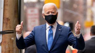 Joe Biden blessé- le futur président apparaît avec une botte orthopédique (photos)