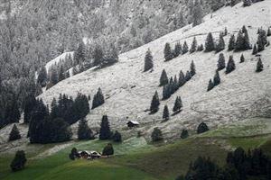 Abondantes chutes de neige dans les Alpes suisses