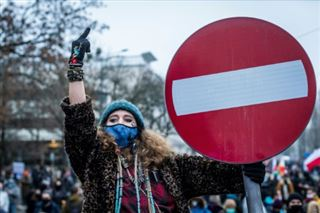 Pologne- manifestation à Varsovie pour l'avortement et contre les conservateurs
