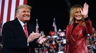 Donald et Melania Trump partagent une dernière photo souvenir à la Maison-Blanche- Joyeux Noël! (photo)