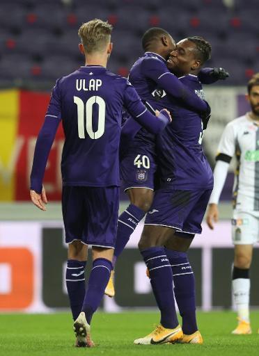 Jupiler Pro League - Anderlecht bat Charleroi 3-0 et le dépasse au classement