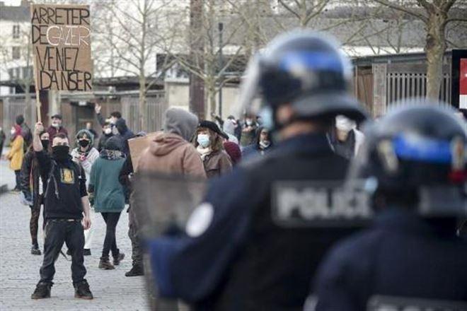 Coronavirus - France - Manifestation de teufeurs à Rennes pour défendre les free parties