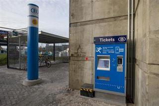 La SNCB va fermer 44 guichets supplémentaires dans ses gares cette année