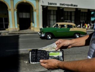 Ruée sur le dollar dans un Cuba chamboulé par les réformes