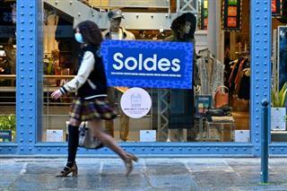 France- les soldes prolongés de deux semaines jusqu'au 2 mars (Bercy)