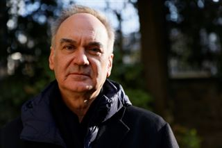 Le roman L'Anomalie, deuxième prix Goncourt le plus vendu de l'histoire